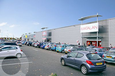Clyde Retail Park - Picture 1